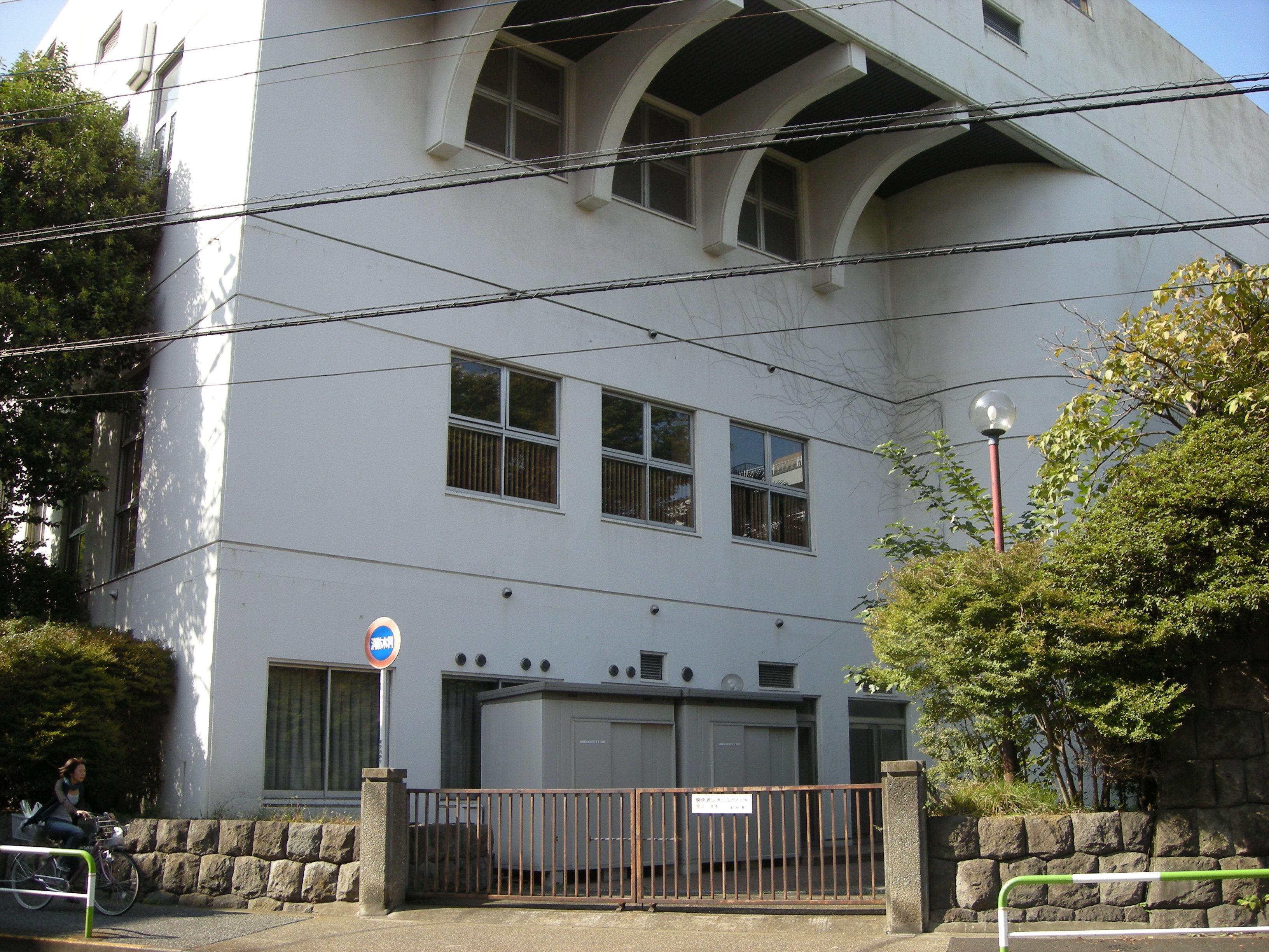 10thaaeaieu-002.jpg